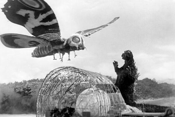 bayern_mühncen_vs_hertha_Godzilla_shambo