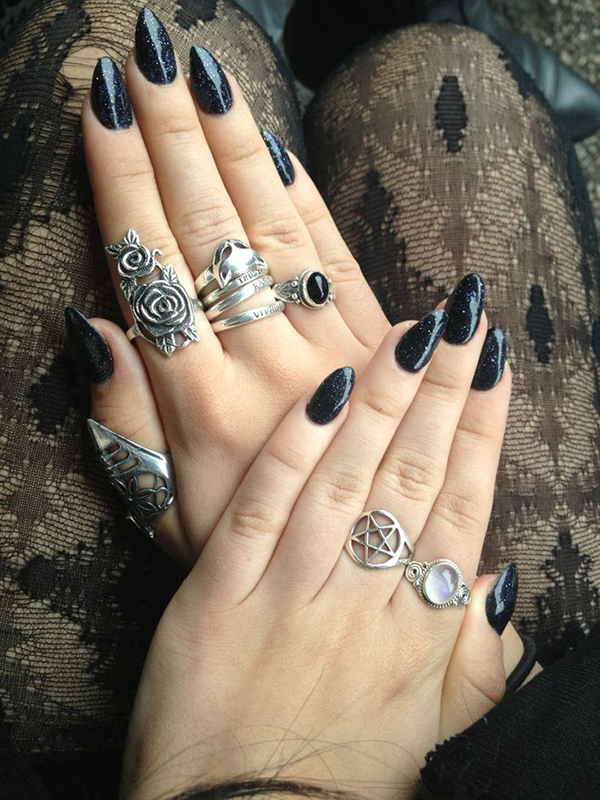 witch-nails-shambo-1