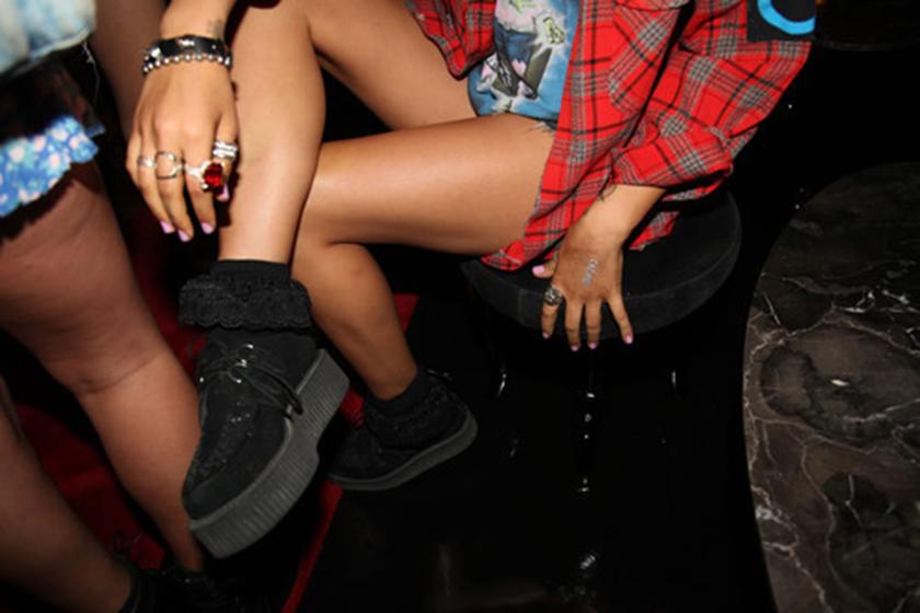 girl-leg